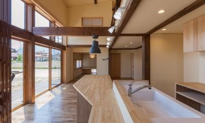 宮田の家 (ダイニングテーブル付きのキッチン)