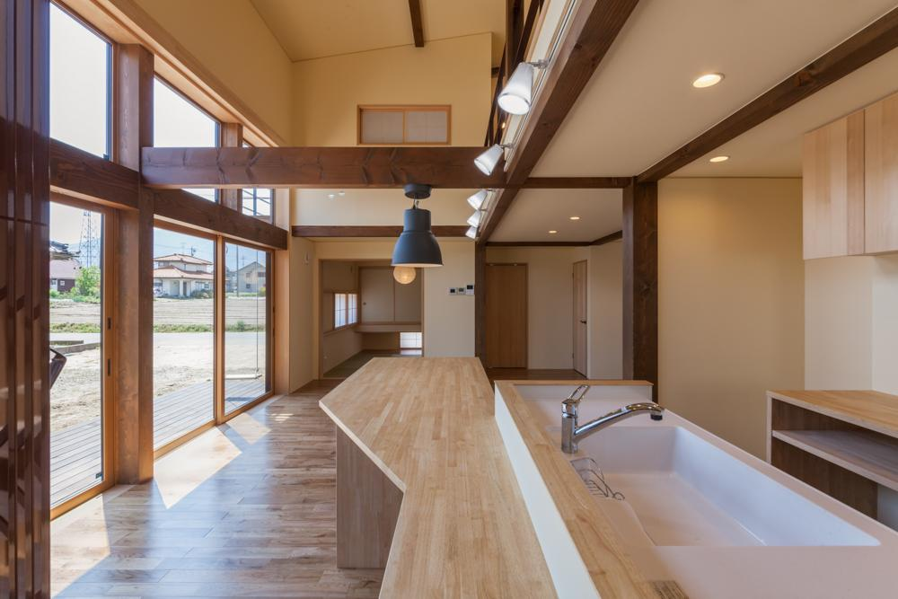 宮田の家の写真 ダイニングテーブル付きのキッチン