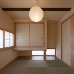 地窓のある和室